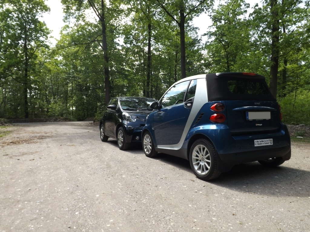 Toyota iQ vs smart fortwo