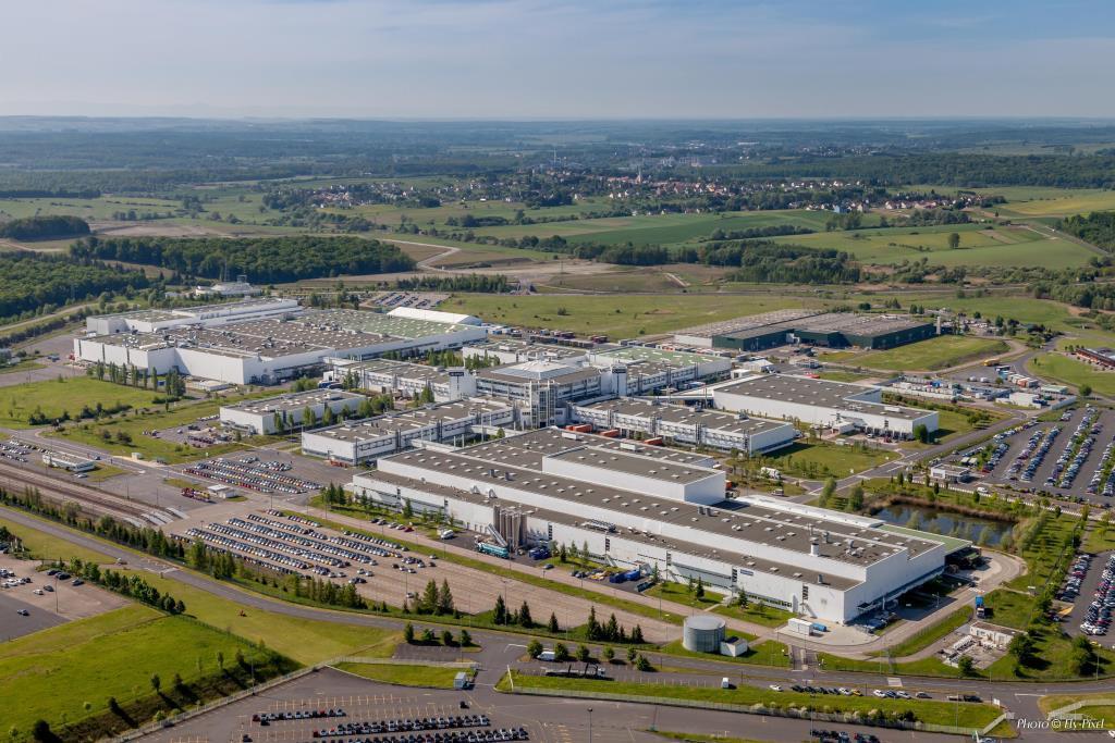 Luftbild smart Werk Hambach // smart Hambach plant, aerial view