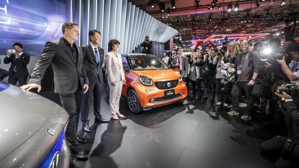 Gorden Wagener, Head of Design, Daimler AG, Dr. Annette Winkler, Head of smart and Kintaro Ueno, CEO of Mercedes-Benz Japan.