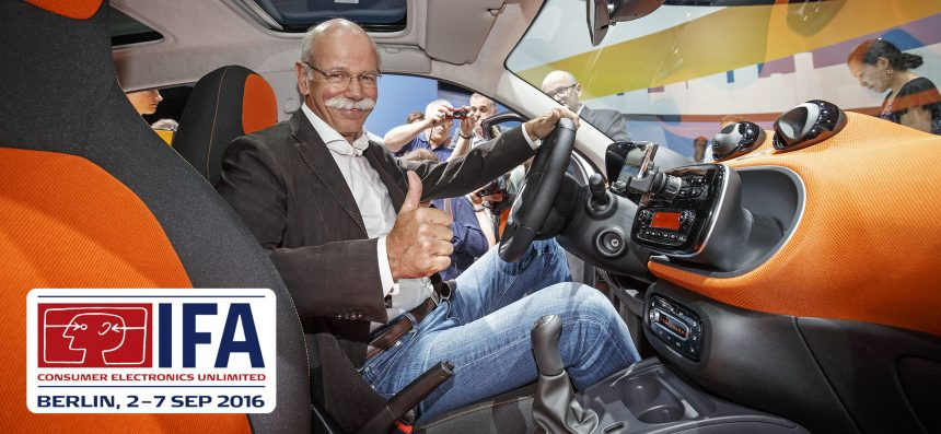 Weltpremiere des neuen smart fortwo und forfour in Berlin: Dr. Dieter Zetsche, Vorstandsvorsitzender der Daimler AG und Leiter Mercedes-Benz Cars ;  World premiere of the new smart fortwo and forfour in Berlin: Dr Dieter Zetsche, CEO of Daimler AG and Head of Mercedes-Benz Cars;