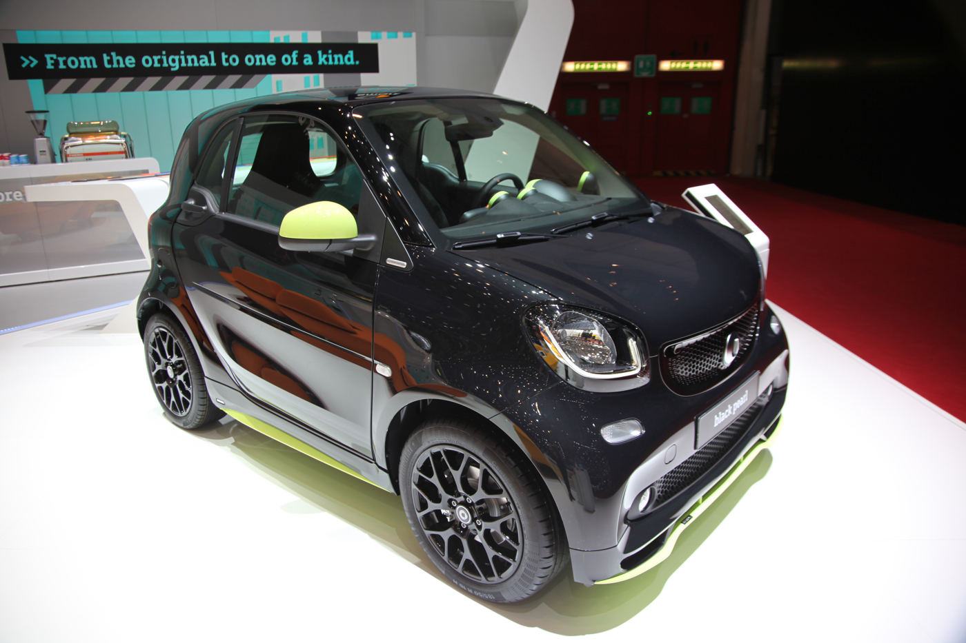 sondermodell fortwo brabus edition urbanlava. Black Bedroom Furniture Sets. Home Design Ideas