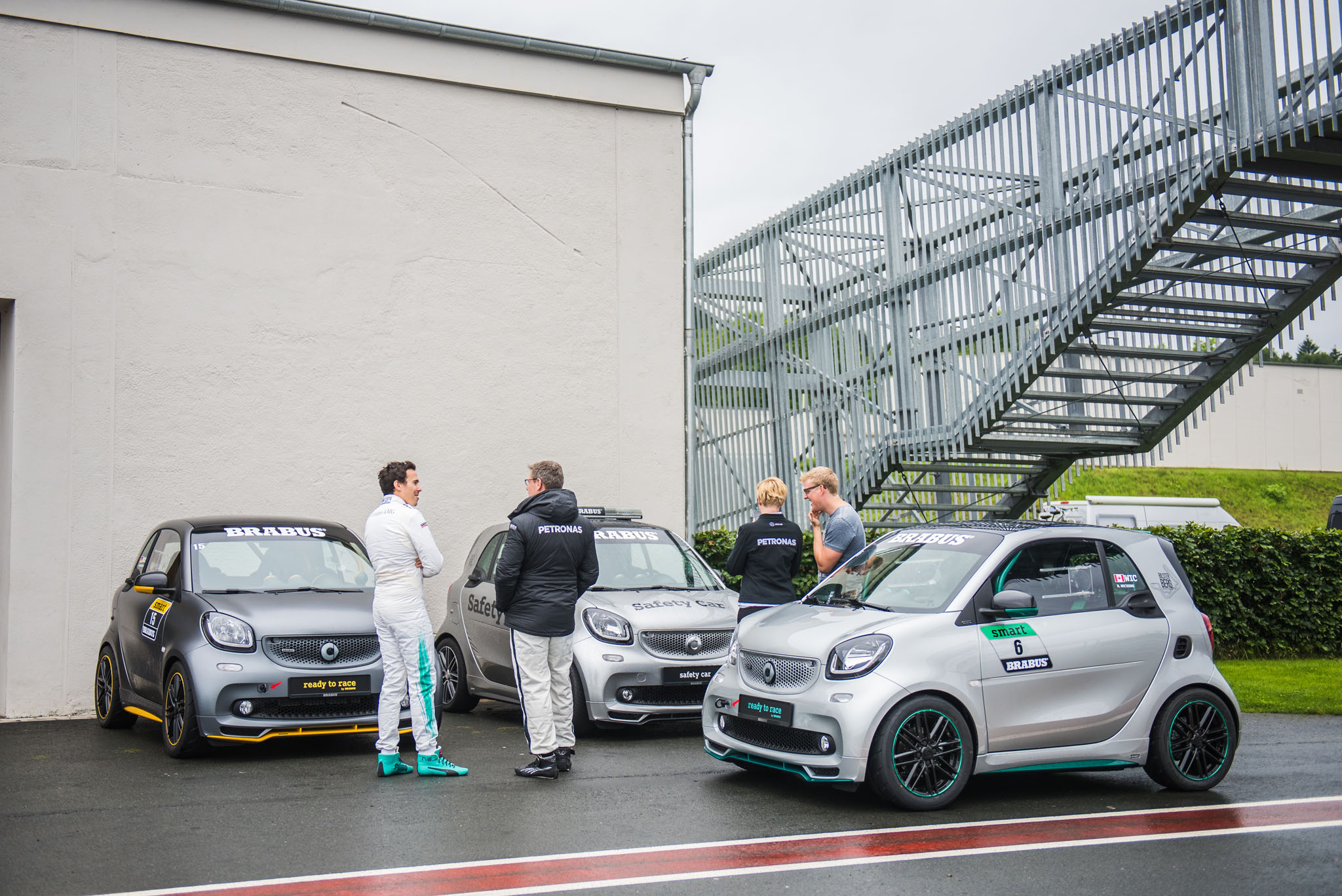 Smart Car Safety >> Brabus Renner Im Detail Smart Fortwo Ready To Race